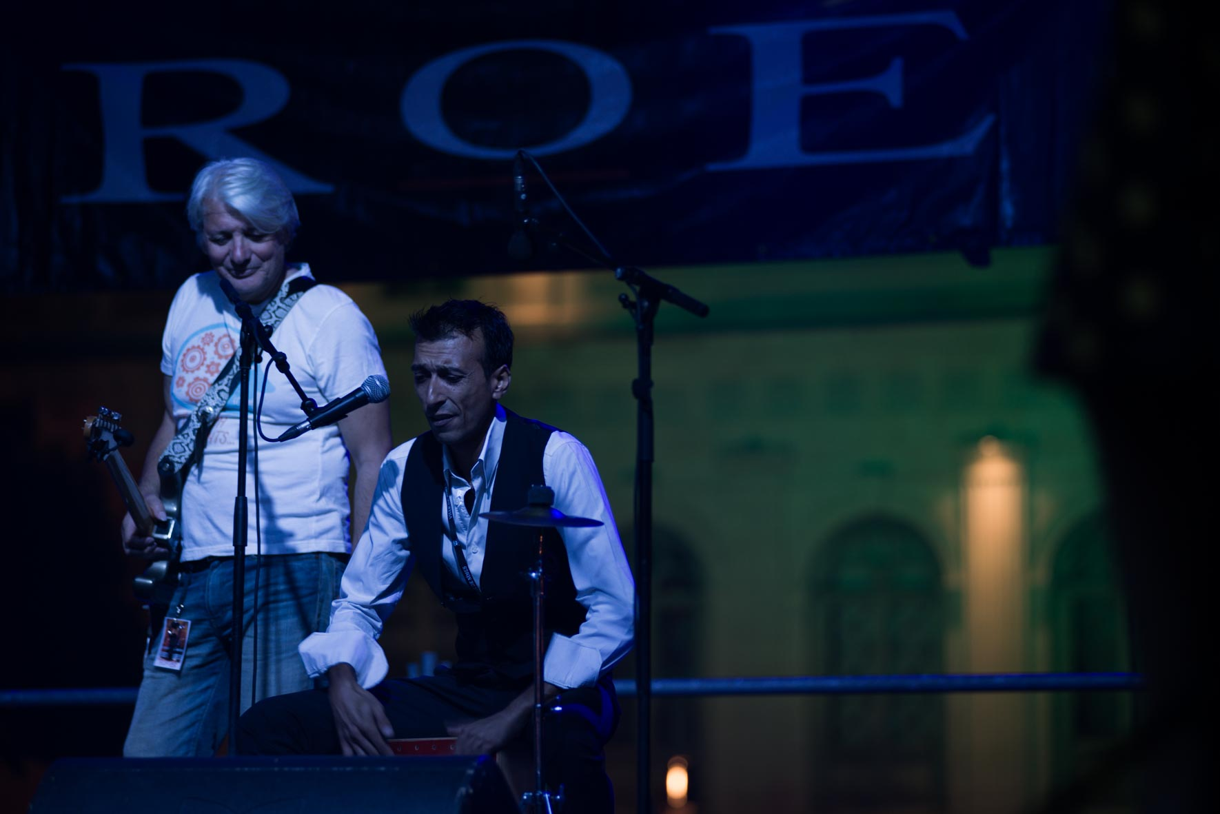 Enrique Santiago avec Roé live arènes de Nîmes