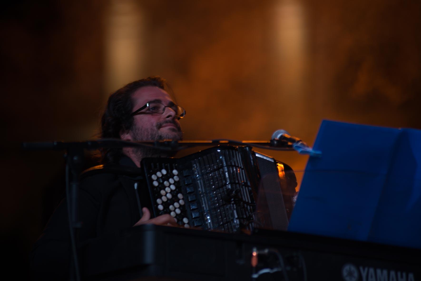 Sebastien Mazoyer avec Roé live arènes de Nîmes